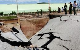 Hiện trường vụ sập đường tại Thanh Hóa khiến 5 người thương vong