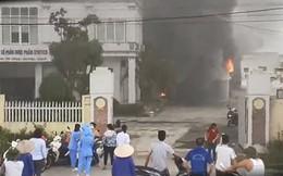 Nhà máy dược phẩm ở Hải Dương bốc cháy ngùn ngụt kèm tiếng nổ lớn, xưởng rộng 1.700m2 bị thiêu rụi