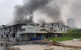 Chùm ảnh: Cảnh tan hoang nhà máy dược phẩm ở Hải Dương sau khi 'bà hỏa' ghé thăm