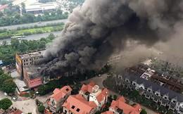 Ảnh: Hiện trường 4 biệt thự gần Thiên Đường Bảo Sơn bị lửa thiêu rụi