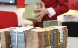 """Dấu hiệu gia tăng """"cố thủ"""" nguồn tiền lớn trong ngân hàng"""