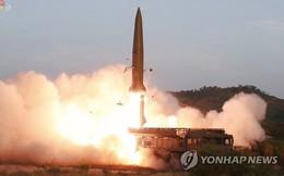 NÓNG: Triều Tiên lại phóng loạt đầu đạn nghi tên lửa xuống biển Nhật Bản