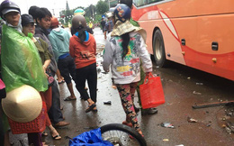 Xe khách tông hàng loạt xe máy, ít nhất 3 người tử vong