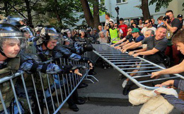 """Biểu tình lớn ở Nga: Những hình ảnh """"sốc"""" chưa từng xuất hiện trên mặt báo phương Tây tố cáo âm mưu đen tối?"""