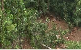 Hình ảnh đường dẫn vào hồ đập thủy điện Đăk Sin 1 sạt lở do mưa lũ ở Đắc Nông
