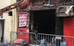 Sau tiếng nổ lớn, lửa bao trùm cửa hàng bánh trong phố cổ Hàng Buồm