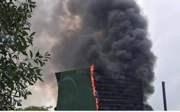 Cháy dữ dội biến lò luyện thiếc ở Nghệ An thành cột khói khổng lồ
