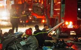"""""""Vụ cháy Rạng Đông"""" hơn 5 tiếng và tình người dân - người lính trong hoả hoạn: Cảm ơn những chiến sĩ dũng cảm"""