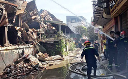 Cảnh sát hình sự điều tra nguyên nhân vụ cháy Cty Rạng Đông