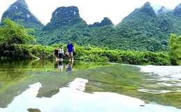 Ngập lụt nhiều nơi, du khách vẫn nườm nượp về Lạng Sơn