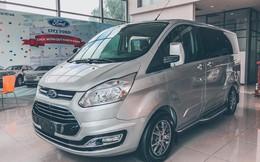 Ford Tourneo bản thương mại ồ ạt về đại lý, giá dự kiến rẻ hơn Kia Sedona