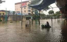 Thái Nguyên mưa lớn, đường biến thành sông, nhà cửa ô tô chìm trong nước