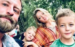 Giữa cuộc họp, người bố nhận điện thoại báo con trai 8 tuổi đột tử và tâm sự xúc động gửi đến các bố mẹ cuồng công việc