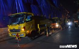 Ảnh: 30 công nhân hút bùn xuyên đêm cạnh nhà máy Rạng Đông
