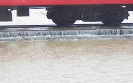 Đường sắt Bắc - Nam qua Thừa Thiên Huế 'kêu cứu'