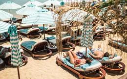 """Đảo Mykonos - Thiên đường đốt tiền của giới siêu giàu: """"Sương sương"""" thuê lều nhỏ trên bãi biển thôi cũng ngốn hơn 100 triệu đồng"""