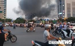 Ảnh: Hiện trường lửa bao trùm kèm tiếng nổ lớn từ siêu thị điện máy ở Hải Phòng