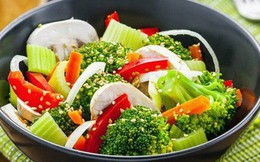 """Cách ăn rau tưởng ngon, lành mạnh nhưng """"phá hoại"""" cơ thể bạn"""