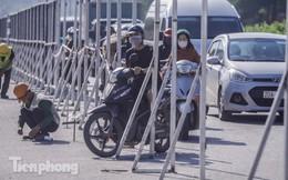 Dựng rào chắn thi công đường đua F1