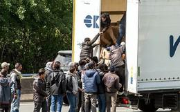 Cảnh sát Bỉ phát hiện 12 di dân còn sống trong thùng đông lạnh