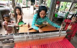 Người Campuchia bán sức trong các công ty TQ: Công việc vất vả, mức lương lại bèo bọt