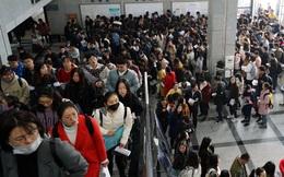 """Trung Quốc đang diễn ra cuộc đại chiến 1,4 triệu người vì """"bát cơm sắt"""""""