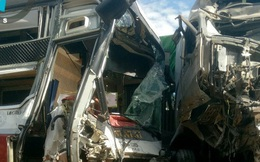 [NÓNG] Xe container đâm trực diện xe khách, một người tử vong, hàng chục người bị thương ở Bình Phước
