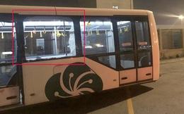 Xe buýt bị đâm trong sân bay Tân Sơn Nhất, nhiều hành khách bị thương