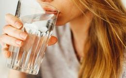 6 sai lầm mà nhiều người khi uống nước hay mắc phải dẫn đến gây hại cho sức khỏe