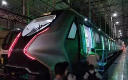 Tàu điện ngầm mới của Trung Quốc có cửa sổ cảm ứng như iPad cỡ lớn, tốc độ 140km/h, nguyên liệu sợi carbon nhưng dân tình có vẻ không háo hức cho lắm