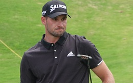 Tiếng hét của khán giả khiến tay golf trẻ tuột mất chức vô địch, phản ứng của anh ấy sau đó là một bài học về trí tuệ cảm xúc