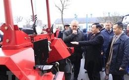 Phó Thủ tướng thăm nhà máy sản xuất ôtô MAZ của Belarus