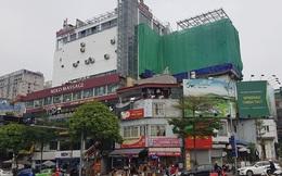 Tháo dỡ 'chuồng cọp' trái phép trên nóc trung tâm thương mại OCD Hà Nội
