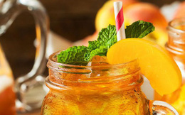Là món có trong thức uống quen thuộc của giới trẻ, đào vàng đóng hộp có an toàn cho sức khoẻ hay không?