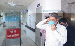 Nửa đêm, Thứ trưởng Bộ Y tế đến Đà Nẵng làm việc về virus corona