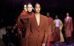"""BST gây ấn tượng mạnh tại Milan của """"ông lớn"""" trong làng thời trang xa xỉ"""