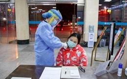 Vừa được chữa khỏi virus corona, nữ y tá Vũ Hán ngay lập tức quay trở lại bệnh viện làm việc, không nghỉ ngơi dù chỉ một ngày