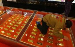 Nhà đầu tư bán vàng dù dịch cúm corona căng thẳng