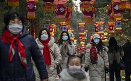 """Trung Quốc dần nới lỏng lệnh phong tỏa, khách bắt đầu xuất hiện tại các trung tâm thương mại để """"mua sắm bù"""""""