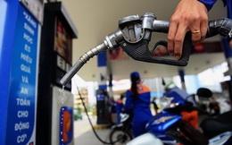 Giá xăng giảm mạnh hơn 2.300 đồng/lít từ 15h chiều nay
