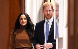 Hoàng tử William là thành viên hoàng gia đầu tiên lên tiếng về Covid-19, không chịu kém cạnh, nhà Meghan Markle cũng nối gót theo nhưng lại bị chỉ trích