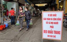 """Những tấm biển đặc biệt vì cộng đồng tại khu chợ """"khét tiếng"""" Hà Nội"""