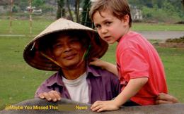 Bức ảnh cậu bé ngoại quốc tìm về người đàn ông chăn trâu ở Ninh Bình sau 15 năm từng gặp mặt khiến dân mạng bồi hồi: Thời gian vô tình quá, ai rồi cũng lớn lên và già đi