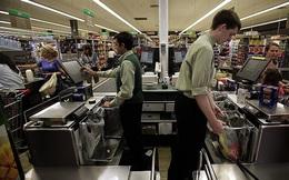 Cho nhân viên đi bán hàng siêu thị, hãng hàng không Úc dù ngừng bay vẫn giải quyết được 5000 việc làm cho người lao động