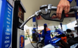 Giá xăng giảm mạnh hơn 4.200 đồng/lít từ 15h chiều nay