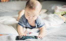 Khoa học cảnh báo: Nhiều cha mẹ làm việc này để giúp con bớt nghịch ngợm nhưng lại hại giấc ngủ, khiến trẻ chậm phát triển