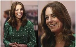 """Cuộc đối đầu hoàng gia: Trong khi Meghan Markle cố gắng """"diễn sâu"""" thì Công nương Kate tỏa sáng theo cách riêng của mình"""