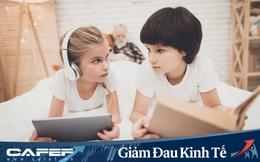 """Nhìn bức ảnh khác biệt """"một trời một vực"""" giữa não bộ của trẻ đọc sách và xem điện thoại, cha mẹ sẽ biết mình nên làm gì với con trong những ngày nghỉ học vì Covid-19"""