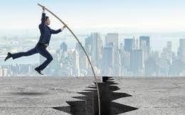 VCB giảm 3%, áp lực chốt lãi xuất hiện ở nhiều mã khiến VnIndex mất gần 6 điểm
