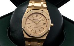 Từng bị giới phê bình chê ngay khi ra mắt, mẫu đồng hồ bằng vàng này gây bất ngờ khi được đấu giá từ xa với mức tiền kỷ lục giữa mùa dịch Covid-19